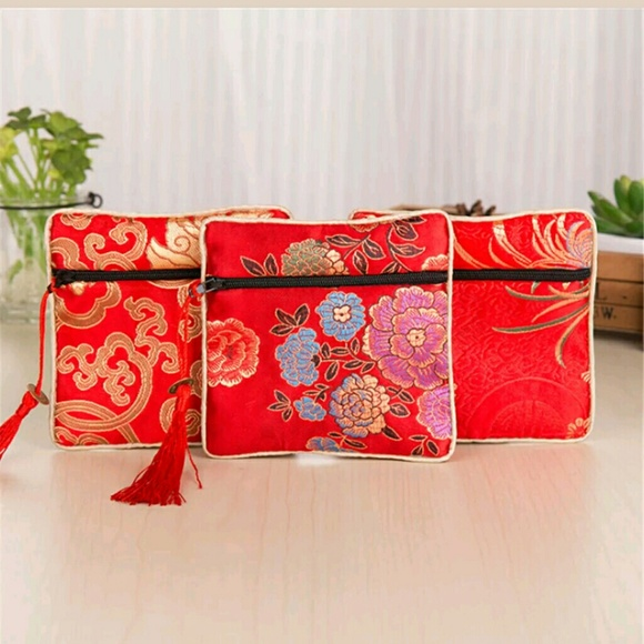 silk Chinese pouch 4x4 red silk w charm 52b34fdaf